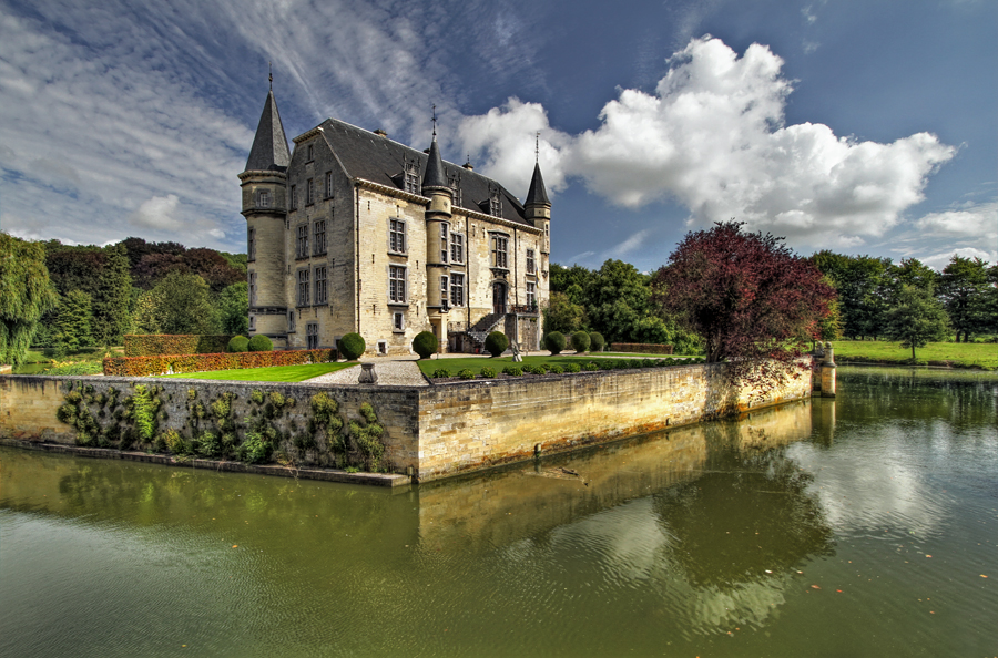Castle Schaloen - Oud Valkenburg by ThomasHabets