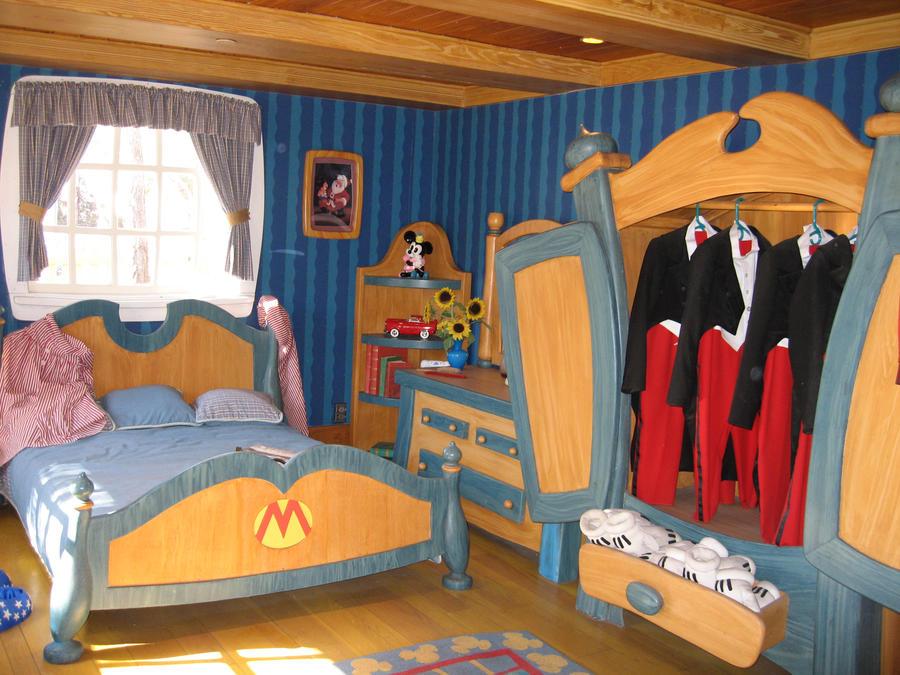 Mickey Mouse Bedroom by Muggilin on DeviantArt