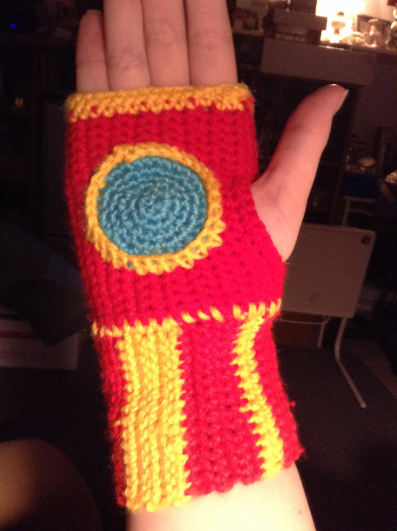 Iron Man Fingerless Gloves! by BreeHalo
