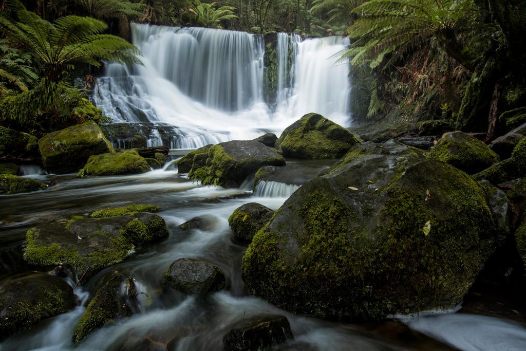 Horseshoe Falls - Tasmania by cbidgie