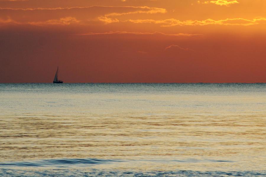 sail away by dragonero