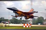 Orange F 16