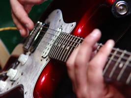 strings by erikschorr