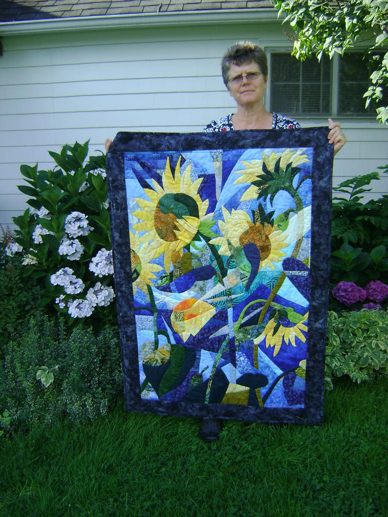 Sunflower quilt by StitchandClick