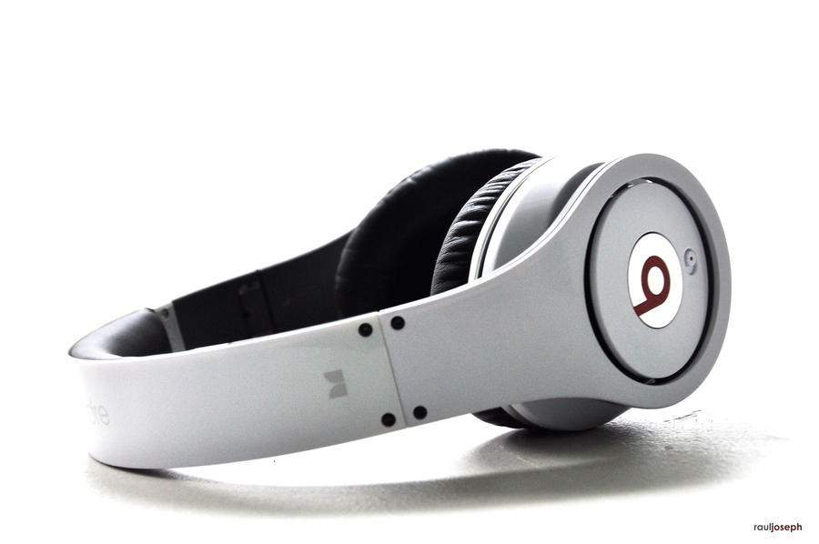 Beats By Dre Headphones 02