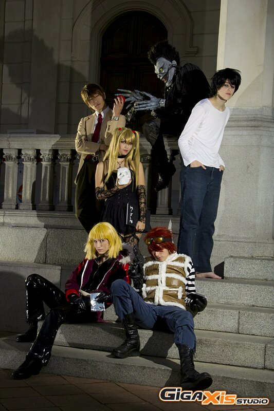 [Resim: death_note_group_by_jutsukino-d320aw5.jpg]