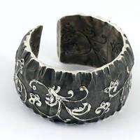 bracelet - sentimental sketch by skladsznurowadel