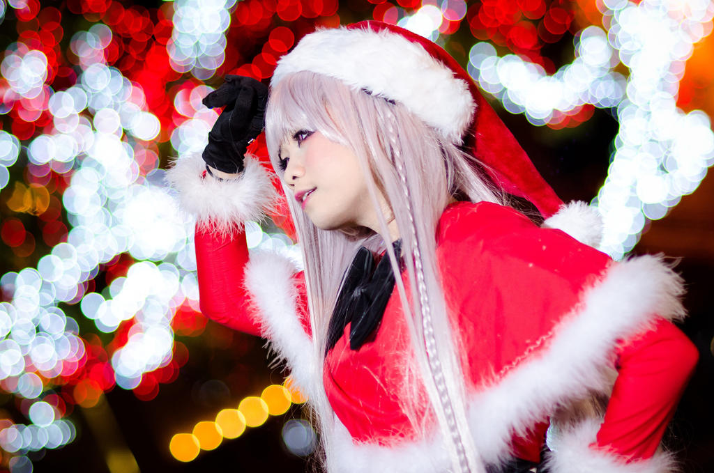 Dangan Ronpa: Christmas Kirigiri by miwafwakes on DeviantArt