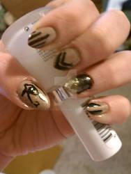 sahara sands nail art.