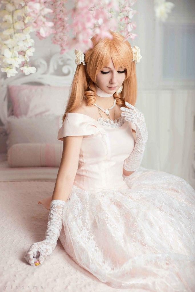Wedding dress by phmiadema