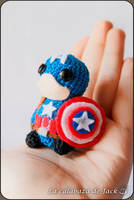 Captain America Amigurumi (Civil War) by cristell15
