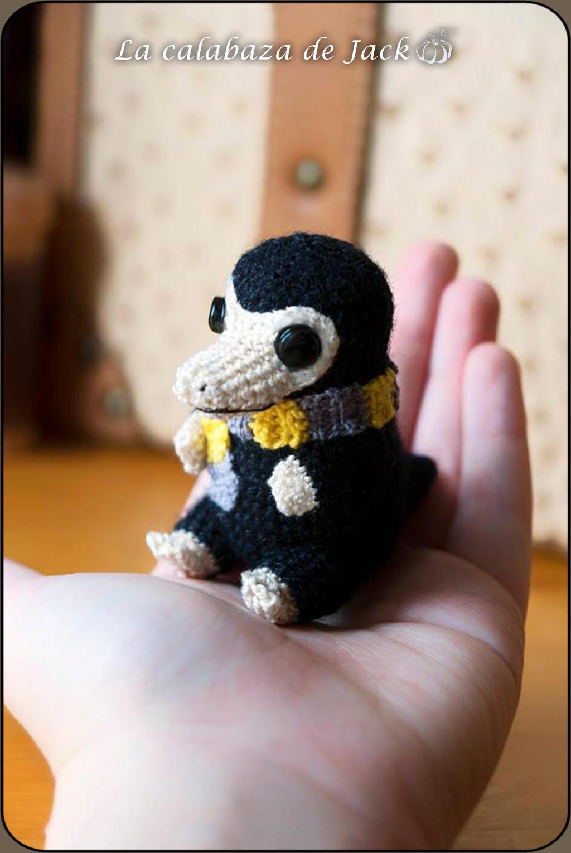 Newt's Niffler Amigurumi | Craftsy | Harry potter crochet ... | 1530x1024