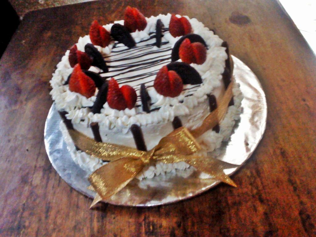 Homemade Birthday Cake by yessy04maple on DeviantArt