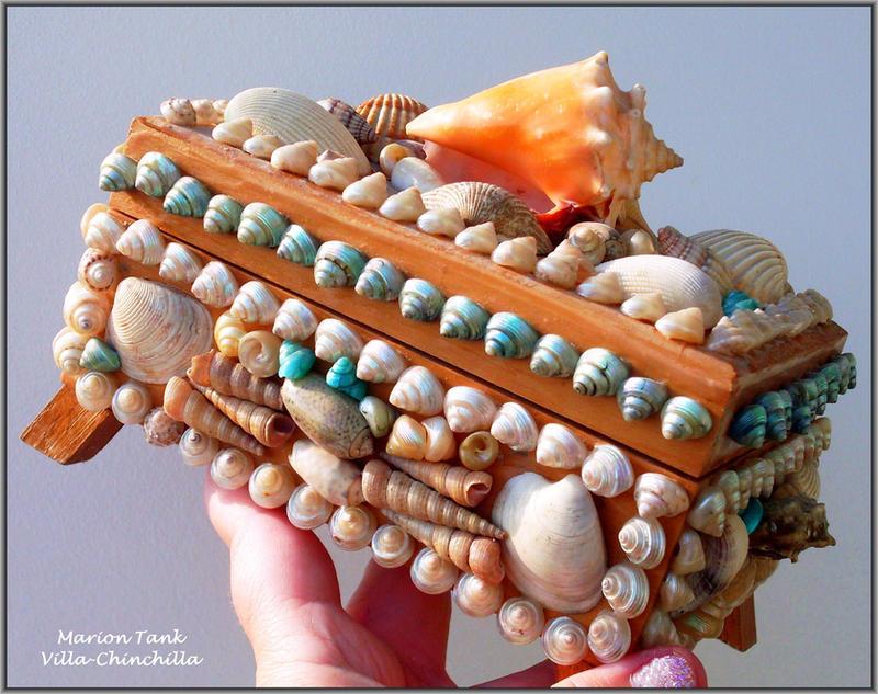 Treasure Chest by Villa-Chinchilla