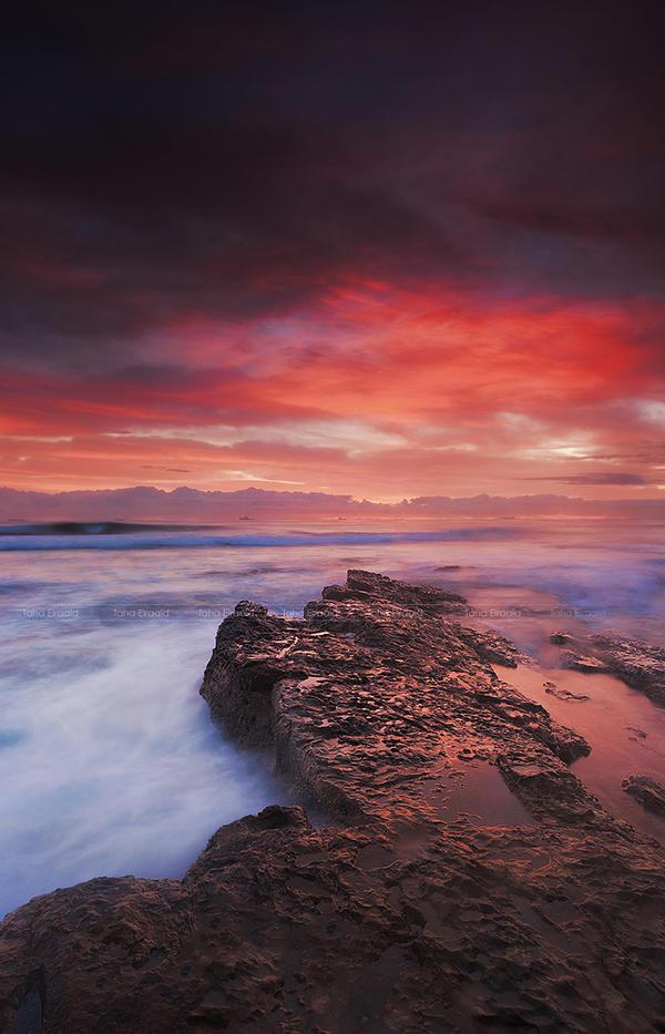 Sky on Fire 3 by TahaElraaid