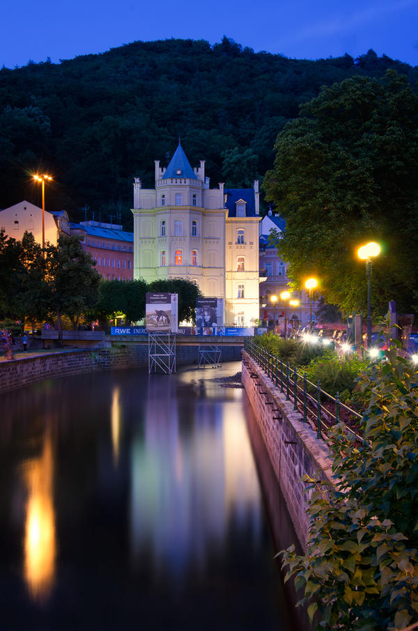 karlovy vary chat sites Luxury and privacy on the area of 180 m2 on 4rd floor with a beautiful view of karlovy vary, two spacious bedrooms, two living rooms, hair dryer, hotel cosmetics.