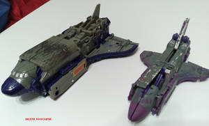 SIEGE Astrotrain Review 37