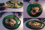 Green algae island necklace