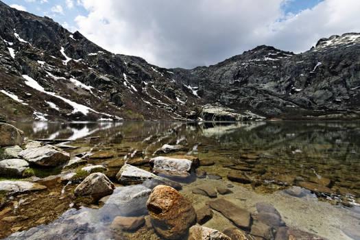 Melo Lake