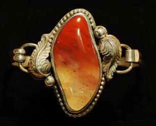 Northern Moab Agate Bracelet by MuzunguMbaya