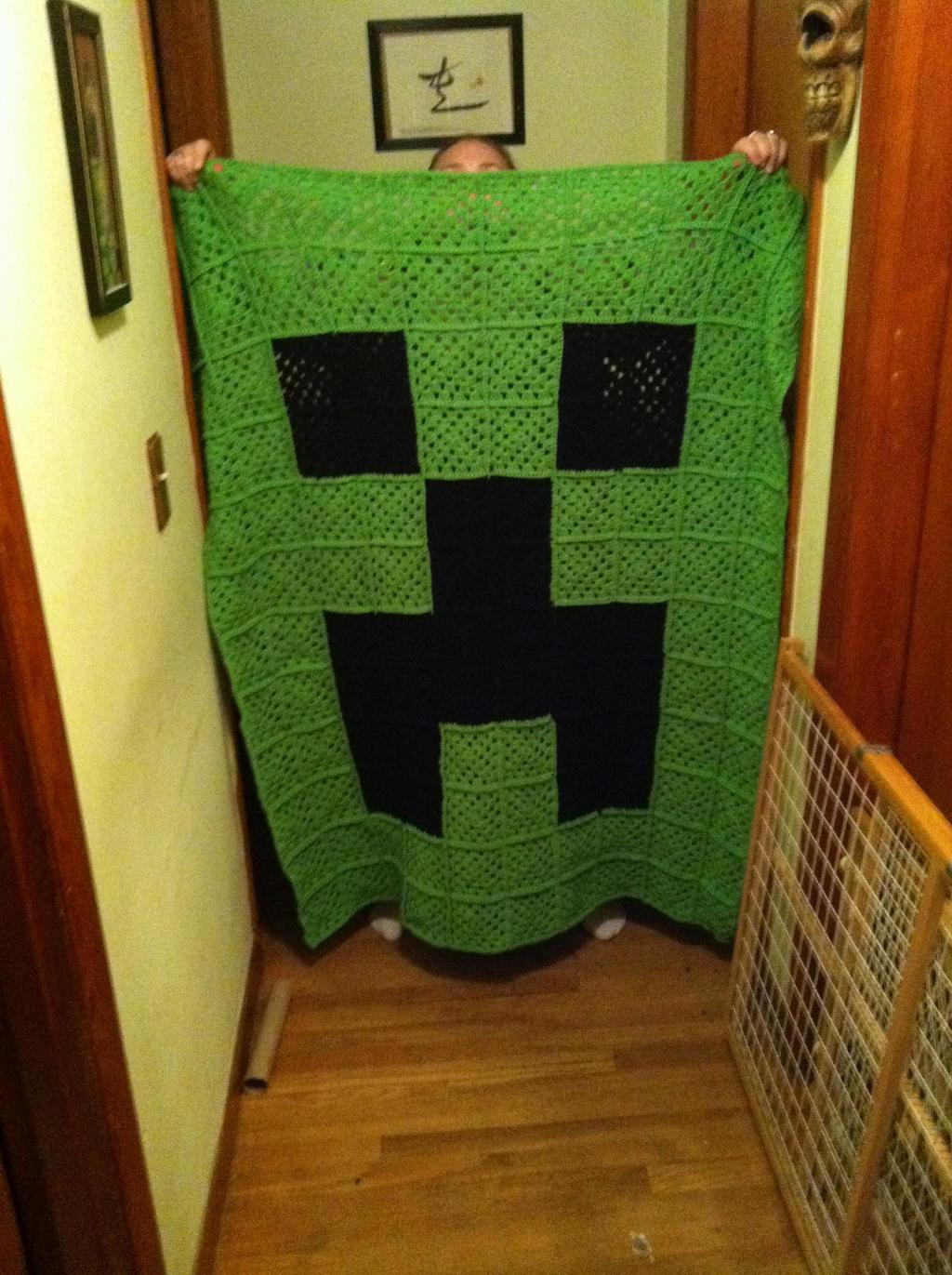 Minecraft Creeper Blanket by prowlingkitten on DeviantArt
