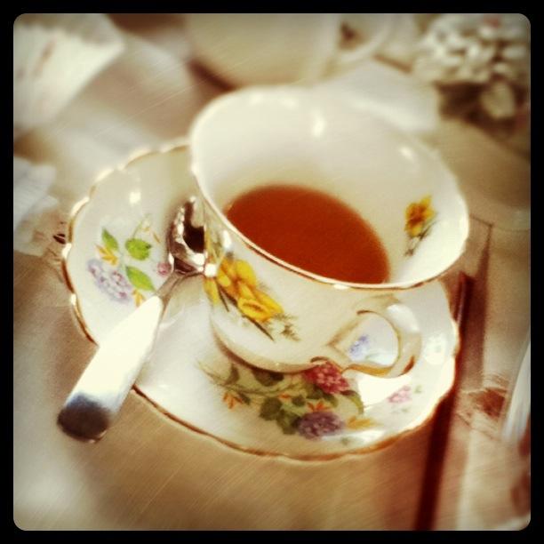 najromanticnija soljica za kafu...caj - Page 3 Teacup_3__by_darcevader-d3icfdf