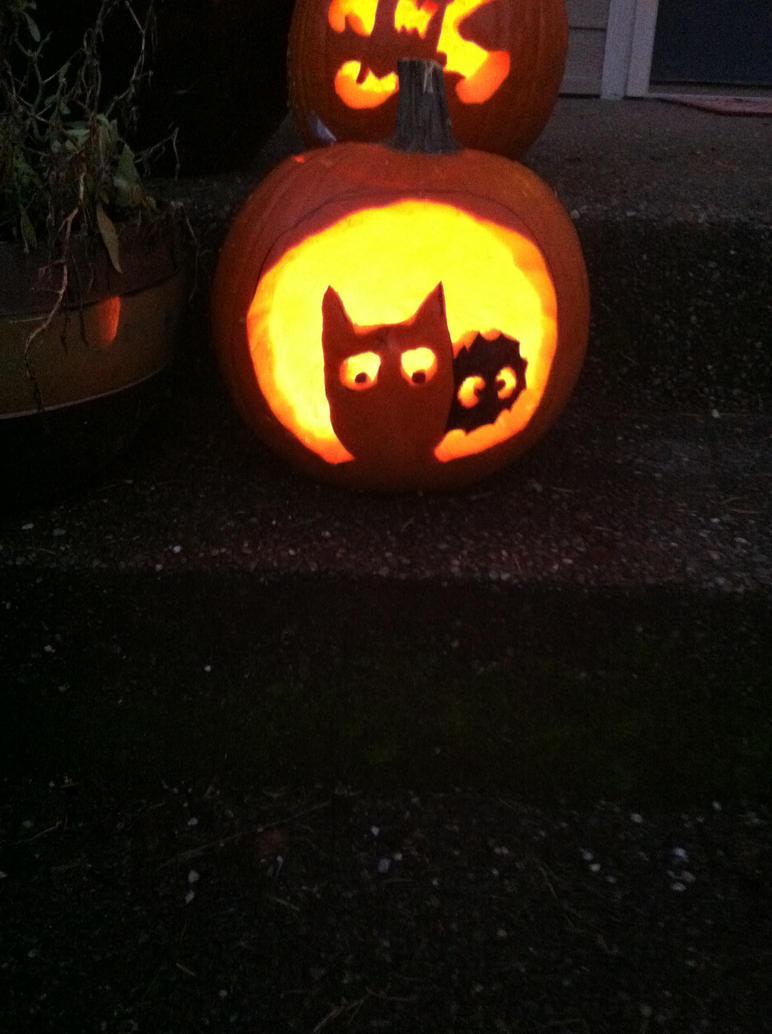 Totoro Pumpkin!!!! by iheartanime14