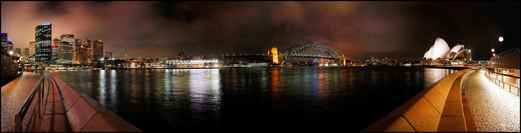 Sydney Harbour by MarkHumphreys