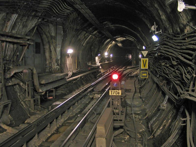 Tunnel by qnadam