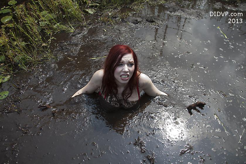 girls in quicksand