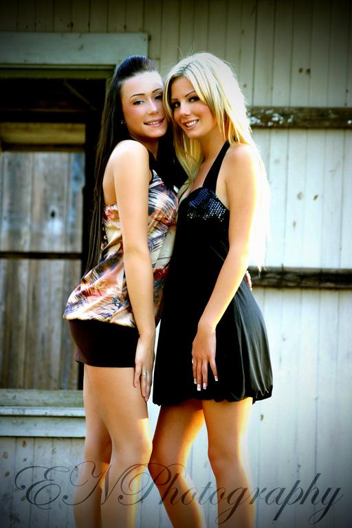 Rebecca and Amanda V by Duckify