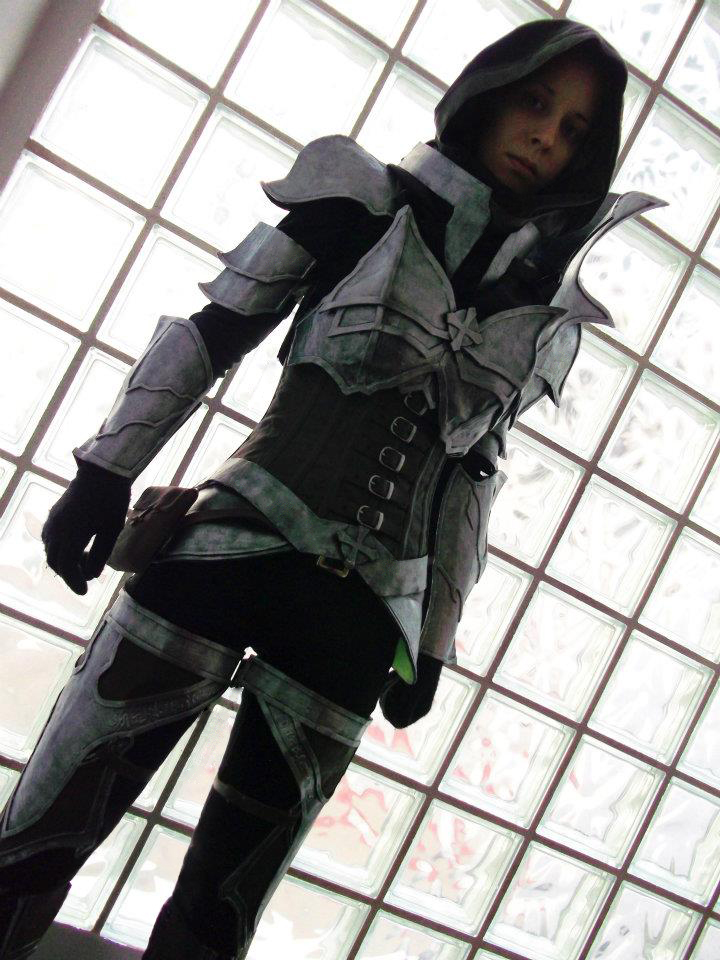 Demon hunter cosplay by Elphiria
