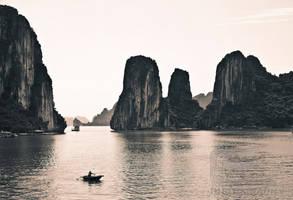 Halong Bay by NanoRoux