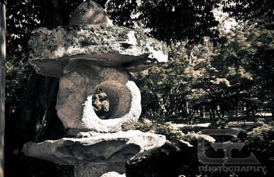 Stone lantern by NanoRoux