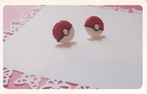 Pokeball earrings by FairysLiveHere