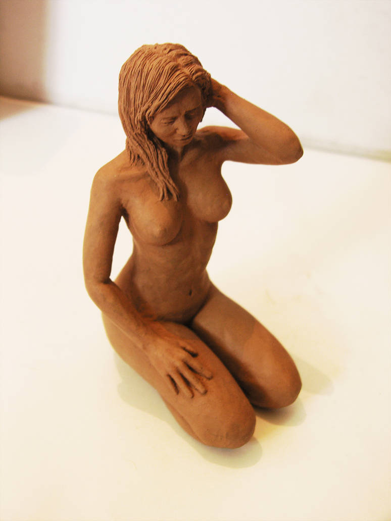 Girl Sculpture by netic-ck