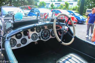 An old racing Bentley by RbPiotrek