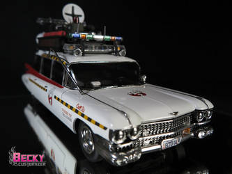 Ecto-1a Ghostbusters by Becky-Customizer