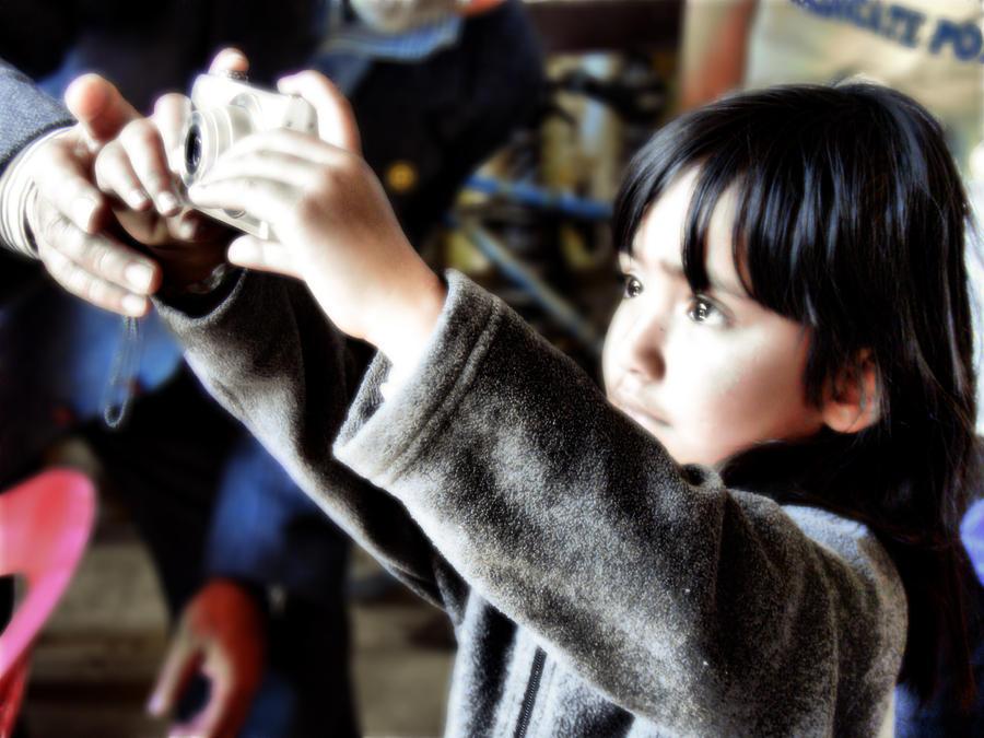 Little Photographer by pmspratik