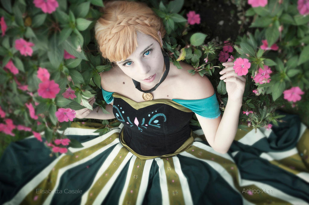 Frozen by Achico-Xion