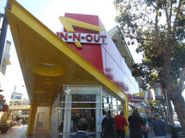 In-N-Out, Fisherman's Wharf by discoinferno84