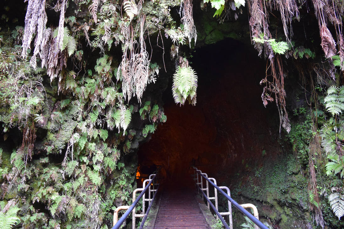 Into The Thurston Lava Tube by discoinferno84