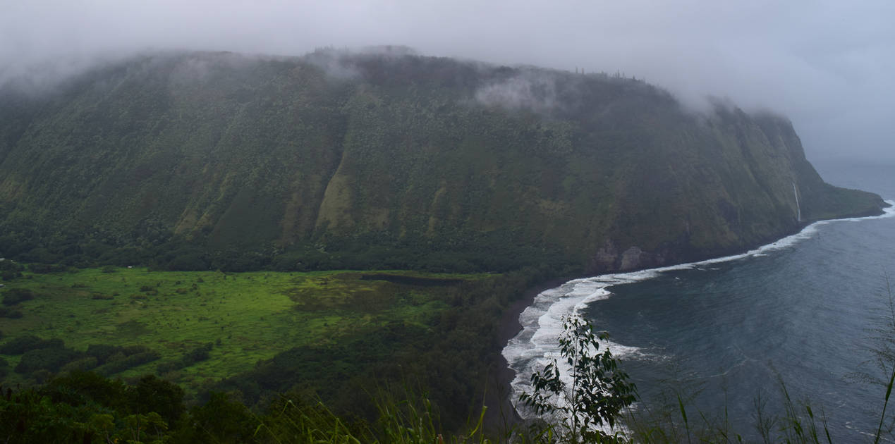 Waipio Valley, Hawaii by discoinferno84