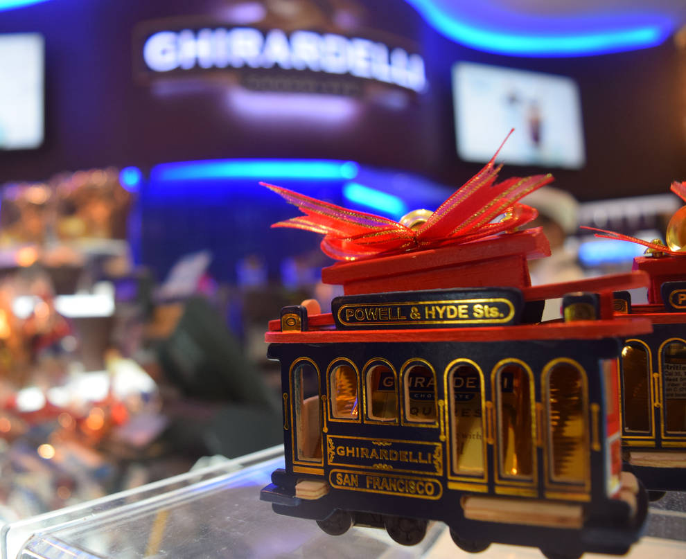 Ghirardelli Cable Cars by discoinferno84