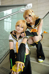 Vocaloid- Len Rin by dycoz