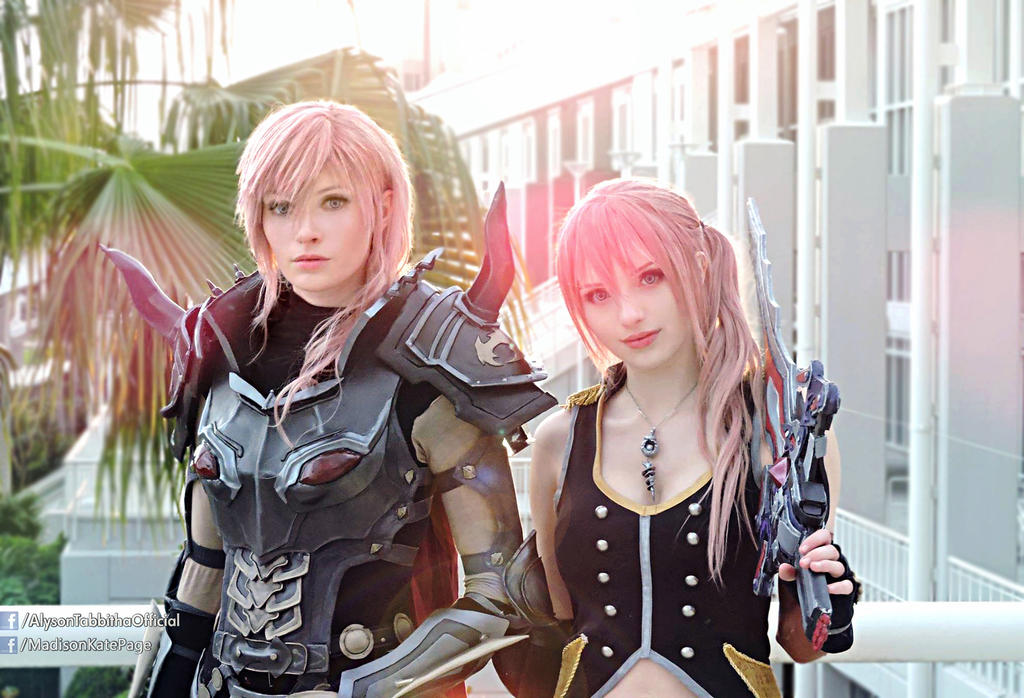 Lightning And Serah Final Fantasy Xiii Cosplays By