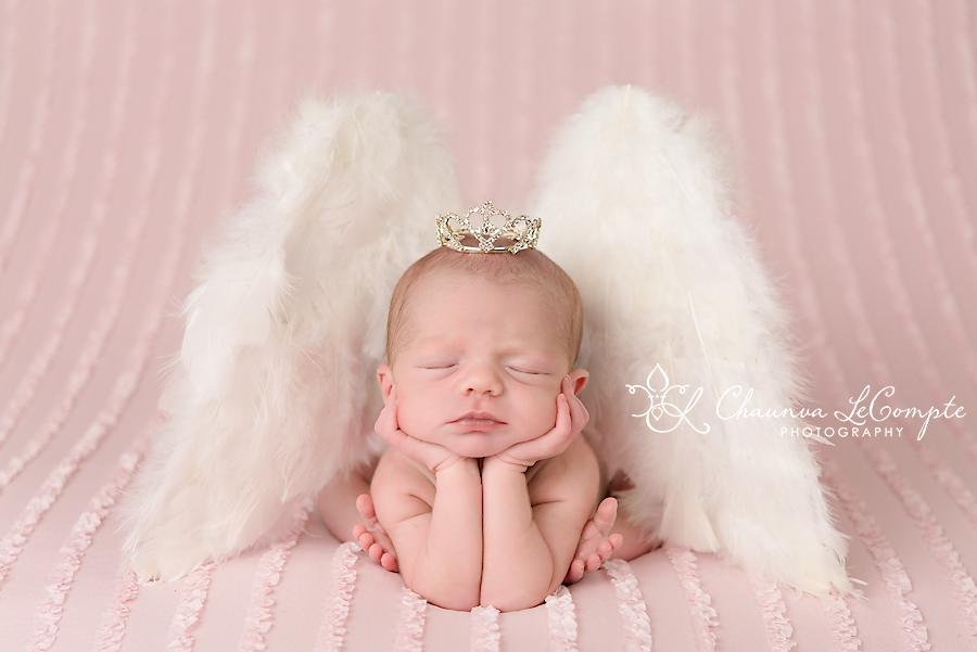 Dallas Newborn Photography by Chaunva LeCompte by Chaunvaphoto
