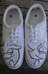 My new shoes :D by XxXNightWriterXxX