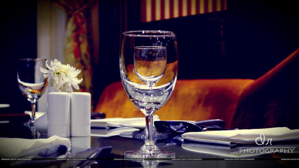 Mm Wine Glass Holder