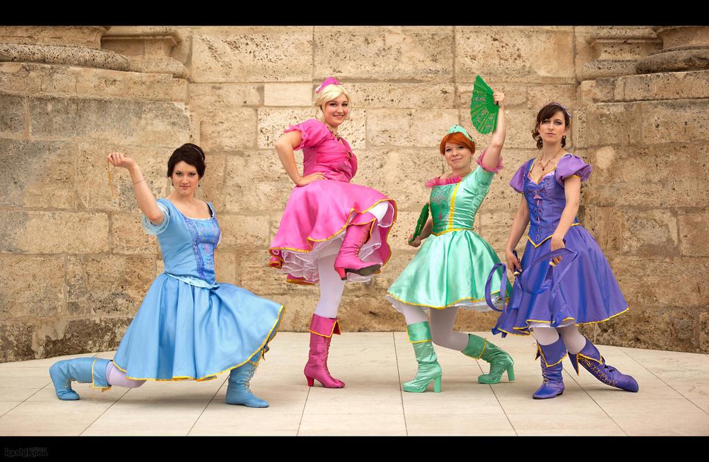 Cosplay people on barbiefans deviantart